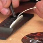 insert new guitar string